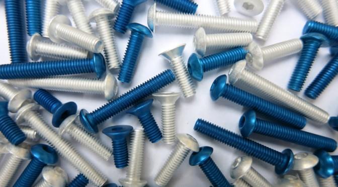 Gewicht sparen: Schrauben aus Aluminium für RC-Cars