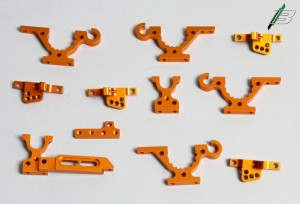 Die Aluminiumbauteile sind wieder im Xray-Orange gehalten.
