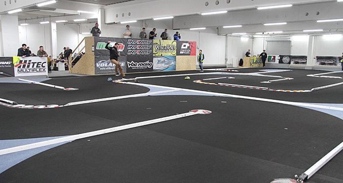Im RennTicker: TOS und Fronti-Challenge beim Renndebüt in der Arena 33